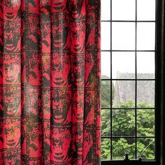 タイガー柄のポップなデザイン。「自己表現する力」をデザインしたファブリック。カーテンやクッションなどのインテリアファブリックに。綿100%のカツラギ生地。厚手なのでバッグなどの小物にも使えるよ。 Curtains, Fabric, Home Decor, Tejido, Blinds, Tela, Decoration Home, Room Decor, Cloths