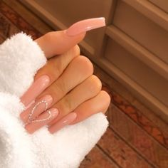 """Blake Lively Just Got a """"Dark Cheddar"""" Manicure, and We're All for It The Coolest Celebrity Nails of 2019 — Celebrity Manicure Ideas Photos Long Square Acrylic Nails, Summer Acrylic Nails, Best Acrylic Nails, Summer Nails, Long Square Nails, Coffin Nails Long, Ongles Kylie Jenner, Acrylic Nails Kylie Jenner, Kylie Jenner Nails"""