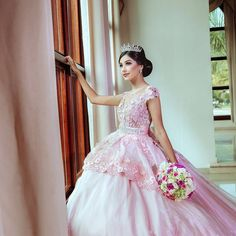 See additional ideas about Quinceanera Quinceanera Guide - Quinceanera Dresses In Autumn Shades. Pick out one of these quinceanera gowns for your big day! Peplum Gown, Under Armour, Flirting Tips For Girls, Glamour, Quinceanera Dresses, Skinny, Pastel Pink, Beautiful, Like4like