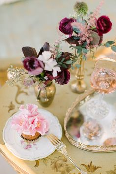 Antique Modern Wedding Ideas. Small Decor For Tables