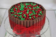 Christmas Kit Kat Cake