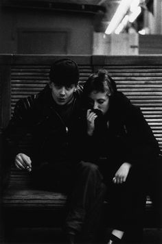 Talented photographer, Gunnar Smoliansky has captured unique images of Stockholm people in the 50′s. Through his images.