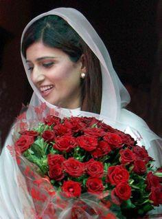 Hina Rabbani Khar Hina Rabbani Khar, Conservative Outfits, Pakistani Actress, Pakistani Outfits, Politicians, Wedding Events, Desi, Style Icons, Bollywood