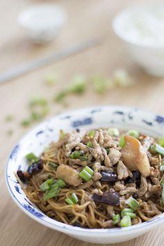 Dan Dan Noodles - Feeding Fen Image 4