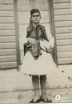Pylos, Greece.  A B/W photo of a young boy in fustanela costume.  Ημερομηνία Δημιουργίας: 1947.  Συλλέκτης: Peloponnesian Folklore Foundation Ίδρυμα: Europeana Fashion