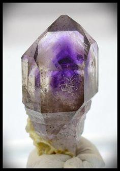 Brandberg Crystal 8.18 g 31mm Amethyst   Hematite Scepter
