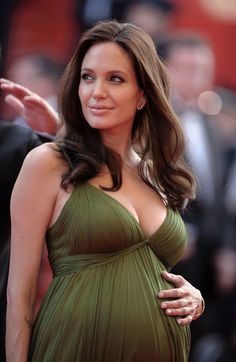 Angelina Jolie at the Cannes Film Festival Angelina Jolie Pregnant, Angelina Jolie Pictures, Kung Fu Panda, Angilina Jolie, Pregnant Actress, Kate Middleton Dress, Beautiful Christina, Actrices Hollywood, Curvy Women Fashion