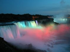 Cascate del Niagara- much prettier way to say Niagara Falls.... or home