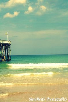 If I could I would live AT the beach!!