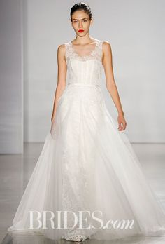 Tendance Robe du mariée  2017/2018  Amsale Wedding Dress  Fall 2016  Brides.com