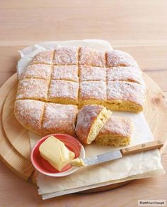 Schnelle Quarkbrötchen A hit for every Easter brunch: simple and sensational! Quick Bread Recipes, Sweet Recipes, Baking Recipes, Brunch Recipes, Breakfast Recipes, Snacks Recipes, Pasta Recipes, Good Food, Yummy Food