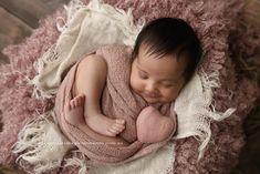 How adorable is Armita's smile 😍 🌸🌸⠀  #goldcoastnewbornphotographer#babyphotographergoldcoast#newbornphotographergoldcoast#baby#newborn#goldcoast#goldcoastbusiness#cutebaby#cutebabyphoto#beautifulbaby#goldcoastbaby#goldcoastmaternity#maternitygoldcoast#newbornbaby#love#family#girl#cutebabyface#newbornportraitsgoldcoast