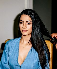 Emeraude Toubia Invited Us to Get Ready With Her for the Radio Disney Music Awards Brunette Actresses, Alycia Jasmin Debnam Carey, Before Midnight, Disney Music, Long Black Hair, Famous Girls, Hot Brunette, Teen Vogue, Music Awards
