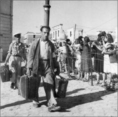 Πειραιάς 1945 Επαναπατρισμός μετά το τέλος του πολέμου.φωτ.Βούλα Παπαιωάννου