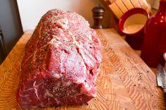 How to Roast a Top Sirloin Beef loin top sirloin steak recipes dinner How to Cook a Top Sirloin Beef Roast - Recipe and Instructions Beef Loin Top Sirloin Steak Recipe, Best Roast Beef, Sirloin Tips, Roast Beef Recipes, Rib Roast, Best Top Round Roast Recipe, Beef Tenderloin, Beef Steak