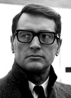 The American actor Rock Hudson, famous for a prominent Hollywood career in the and was recorded confessing to his wife that he was gay in 1958 by a private detective she had hired. Golden Age Of Hollywood, Vintage Hollywood, Classic Hollywood, Hollywood Men, Hollywood Icons, Scarlett O'hara, Margaret Mitchell, Olivia De Havilland, Celebrities With Glasses