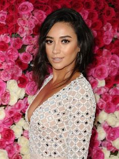 Shay Mitchell's glowing skin and sculpted brows will give you all the beauty feels