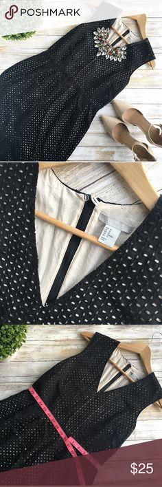 H&M dress Conditions : used , but still good conditions 👌🏻 Super elegant 😍   Follow my Instagram : @vintage.paris H&M Dresses