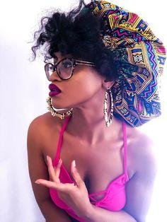 7 Cute Headwraps Every Black Woman Needs to Protect Her Hair.- 7 Cute Headwraps Every Black Woman Needs to Protect Her Hair When She Travels Queen Silk Lined Bonnet - Silk Bonnet, Hair Bonnet, Scarf Hairstyles, Cool Hairstyles, Black Hairstyles, Silk Head Wrap, African Head Wraps, Peignoir, Silk Hair