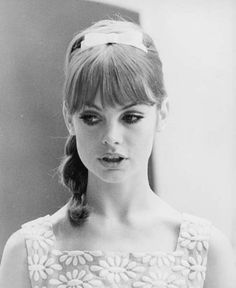 Jean Shrimpton photographed by Peter Knapp 1966 Jean Shrimpton, Top Models, Fashion Tips For Women, Fashion Advice, Fashion Ideas, Fashion Inspiration, London City, She Is Gorgeous, Beautiful