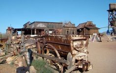 Goldfield Ghost Town near Mesa, Arizona! Plan your Arizona trip with activities such as, exploring the desert, and eating farm fresh foods and visiting one of our museums!    This blog will take you through their visit to Sunny AZ!