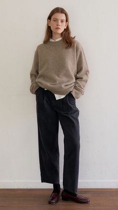 Normcore Outfits, Normcore Fashion, Modest Fashion, Love Fashion, Fashion Outfits, Fashion Design, Couture Fashion, Minimalist Fashion, Editorial Fashion