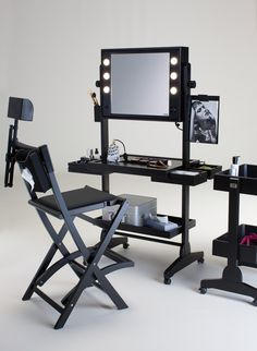ROLLING MAKEUP STATIONS WITH LIGHTS FOR PROFESSIONALS. Cantoni ranges. Cantoni for  makeup schools and sales area. The rolling makeup stations are available with a central drawer (L200 range) or side drawers (L400 range). Made from the finest wood and lacquered by hand using non-toxic paints, they are equipped with a mirror that tilts and can be adjusted to different heights. #makeupstations #rolling #lights
