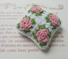 Miniature crochet pillow with roses by MiniGio