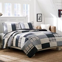 Nautica Longview Quilt Collection quilt for twin beds with solid color duvet