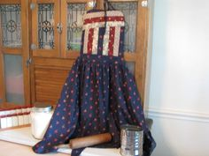 Amish quilted top aprons from Cottage Craft Works