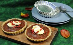 Kešu tartaletky s datlovou náplní Cheesecake, Food, Cheesecakes, Essen, Meals, Yemek, Cherry Cheesecake Shooters, Eten