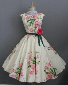lovely 1950s Rose Garden Dress