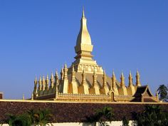 Pha That Luang, Vientiane     http://mozaikvoyages.com  http://mozaikvoyages.com/voyages-laos