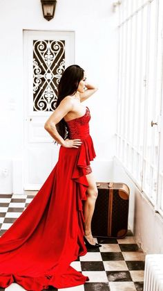 Bella Sisters, Peyton Royce, Nikki And Brie Bella, Wwe Sasha Banks, Paige Wwe, Strapless Dress Formal, Formal Dresses, Daniel Bryan, Wrestling Divas