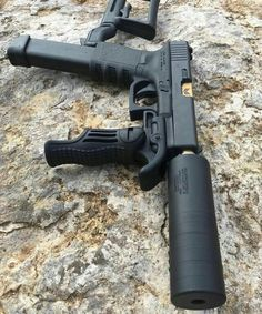 Stupid weapon post for the day. Need a stock and forward grip? Get a carbine instead of turning you pistol into this crap. Unless that a Glock Airsoft, Weapons Guns, Guns And Ammo, Custom Guns, Custom Glock 43, Fire Powers, Cool Guns, Tactical Gear, Tactical Pistol