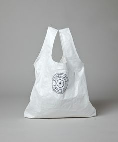 商品詳細 - タイベック エコバッグ / M.S.K.(エム.エス.ケイ.)|オンワードグループ公式ファッション通販サイト|ONWARD Clear Bags, Jute Bags, Linen Bag, Black Leather Bags, Printed Bags, Cotton Bag, Casual Bags, Le Tote, Shopping Bag