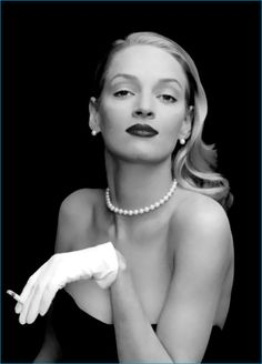 Uma Thurman photographed by Annie Leibovitz for Vanity Fair, January 1996 In the style of her famous model mom! Annie Leibovitz Photos, Anne Leibovitz, Annie Leibovitz Photography, Uma Thurman, Vanity Fair, Mia Wallace, Divas, Shooting Photo, Glamour