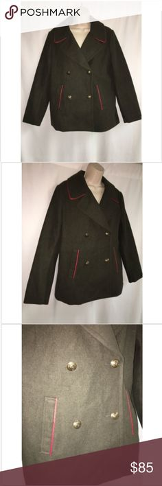 Express Peacoat Seaweed Military Green Large NWT Express Peacoat Seaweed Military Green Large Womens Parka Jacket NWT $148  96% polyester 4% other fibers lining polyester   ARMPIT TO ARMPIT 22 INCHES  LENGTH 29 INCHES Express Jackets & Coats Pea Coats