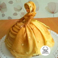 Play With Food Pancake Dress Russian Pastries, Cottage Cheese Pancakes, Famous Drinks, Creative Food Art, Food Art For Kids, Sour Cream Sauce, Barbie, Appetizer Plates, Russia