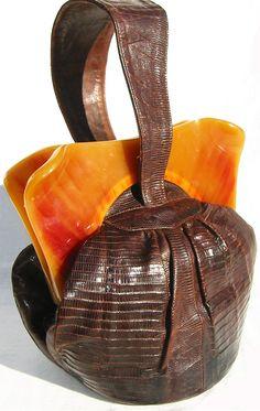 Vintage leather & bakelite handbag c 1930s / 40s