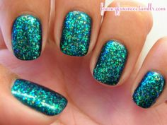 not normally a fan of blue/green on my nails, but i like this one