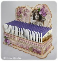 StampARTic: Tutorial - Tea box. Put tea bags in this handmade box. Voila! Beautiful gift for tea lovers.