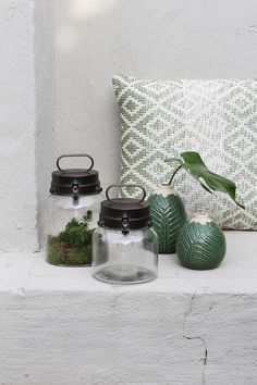 10 Cubby Shelf Trash To Treasure Ideas Fireflies In A Jar, Big Gifts, Boho Interior, Low Cost Gifts, Jar, Diy Trinket Box, Jar Lights, Trinket, Lights