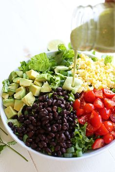 This colorful Southwestern Salad with Creamy Avocado dressing is healthy, crunchy and loaded with tons of veggies and bursts of flavor in every bite! Healthy Salads, Healthy Eating, Healthy Recipes, Easy Recipes, Salad Recipes, Diet Recipes, Southwestern Salad, Creamy Avocado Dressing, Sweet Potato Kale