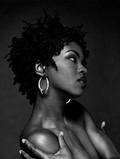 lauryn hill style L - Black Girl Magic, Black Girls, Lauren Hill, Estilo Hip Hop, Art Visage, Meagan Good, Black Girl Aesthetic, My Hairstyle, Decent Hairstyle