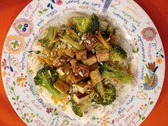 Massa de Arroz com Legumes e Tofu