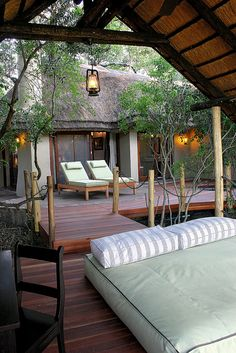 "The safari lodge look achieved with decking, the right chairs and plants and an open ""lodge"". Kruger National Park, National Parks, Bungalow, Outdoor Spaces, Outdoor Living, Style South Park, Out Of Africa, Interior Exterior, Lodges"