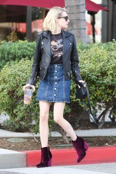 emma-roberts-leggy-in-mini-skirt-olive-june-nail-salon-in-la-12-24-2015-15