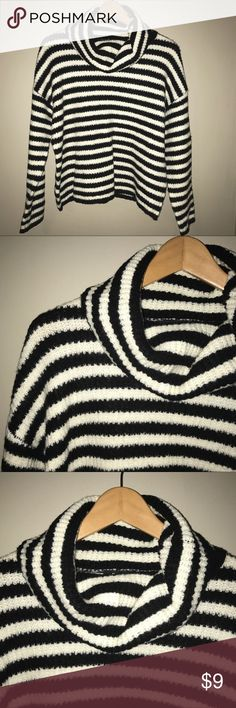 ⚡️SALE! EUC 😍 Striped Sweater❣️ Worn once EUC😍😍😍! Great material, not thin, trendy black & white striped sweater! No imperfections. Meant to worn loose. SZ: S (can also fit M) No filter on all pics/ Accepting reasonable offers! Sweaters