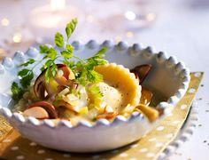 Raviole de foie gras en bouillon de cèpesVoir la recette de la Raviole de foie gras en bouillon de cèpes